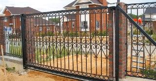 Установка ворот Зеленодольск цена от 3895 руб.